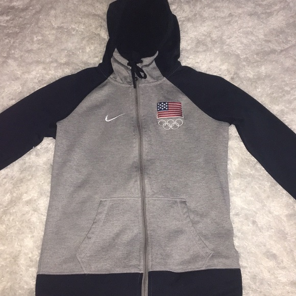 9c448fce0128 Nike Jackets   Blazers - A women s Nike Team USA full zip hoodie